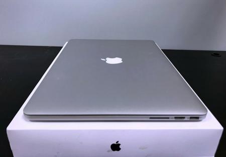 "MacBook Pro 15"" Mid2015 i7 4x 2.2GHz, SSD 256GB, 16GB RAM"